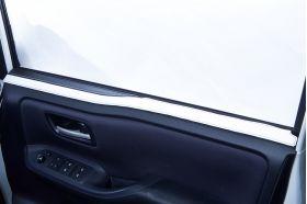 アクセントラインセット 80NOAH&VOXY&ESQUIRE専用 ブラック×ホワイト 運転席側